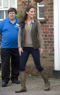 Kate middleton casual style outfit 5
